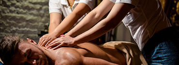 Four-hand synchronous aroma massage